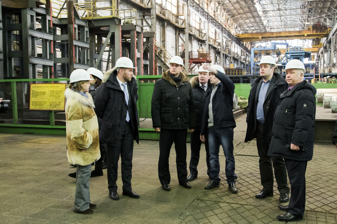 Andrey Sokolov, director of the department of special economic zones and the region's top managers have discussed the development of Titaniu